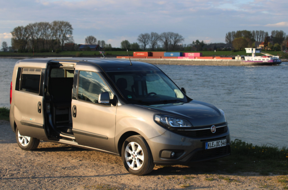 With sliding doors on both sides, the Dailycamper is a versatile camper and everyday MPV