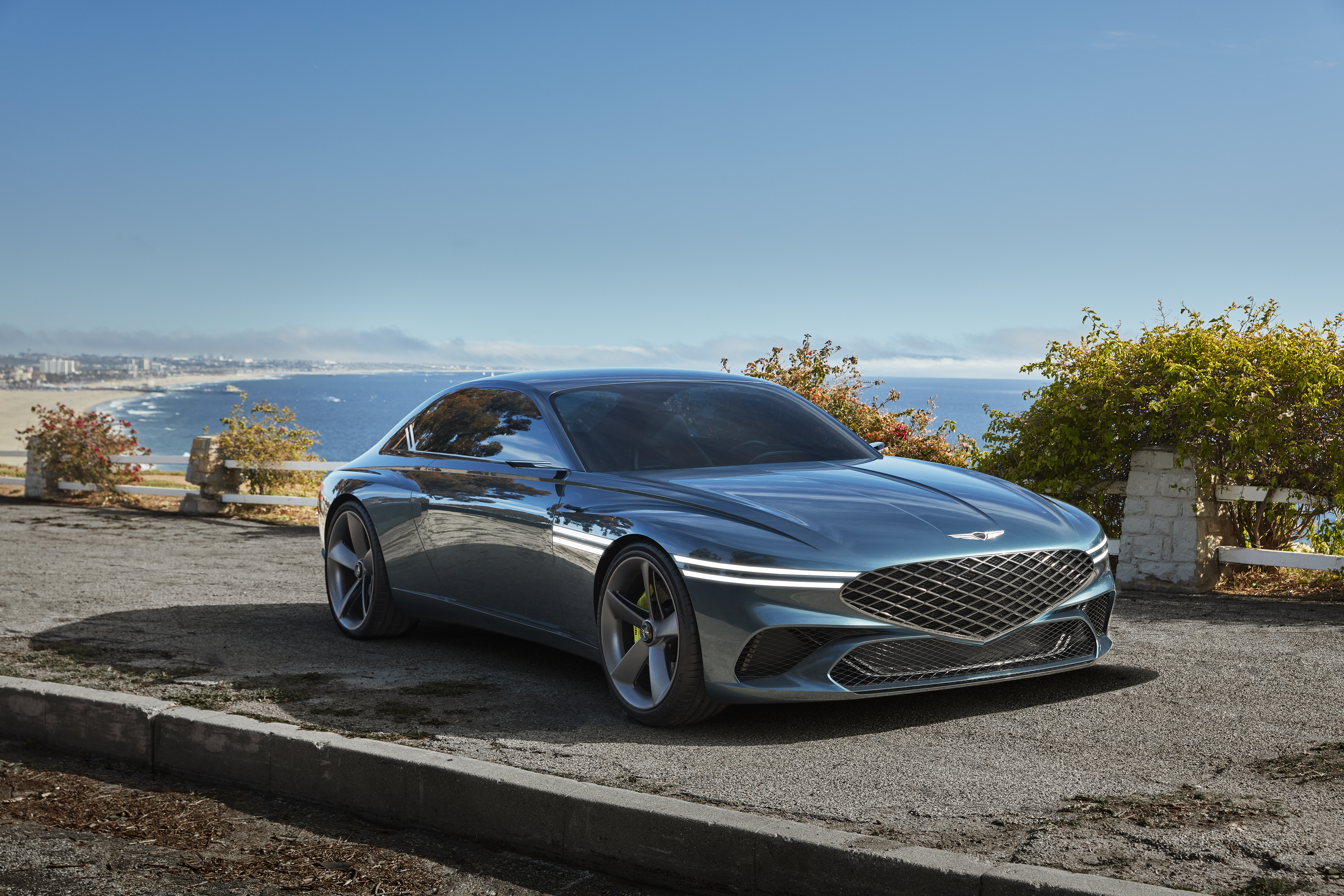 The Genesis X Concept's color is inspired by the lagoons of Brazil