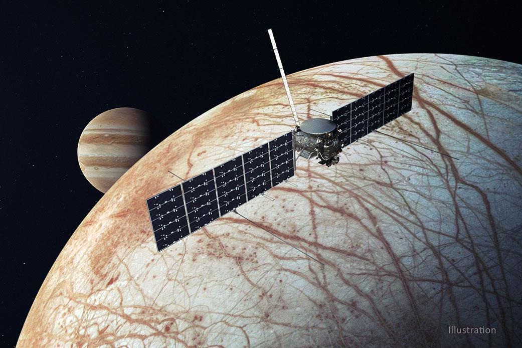 Artist's impression of the Europa Clipper in orbit