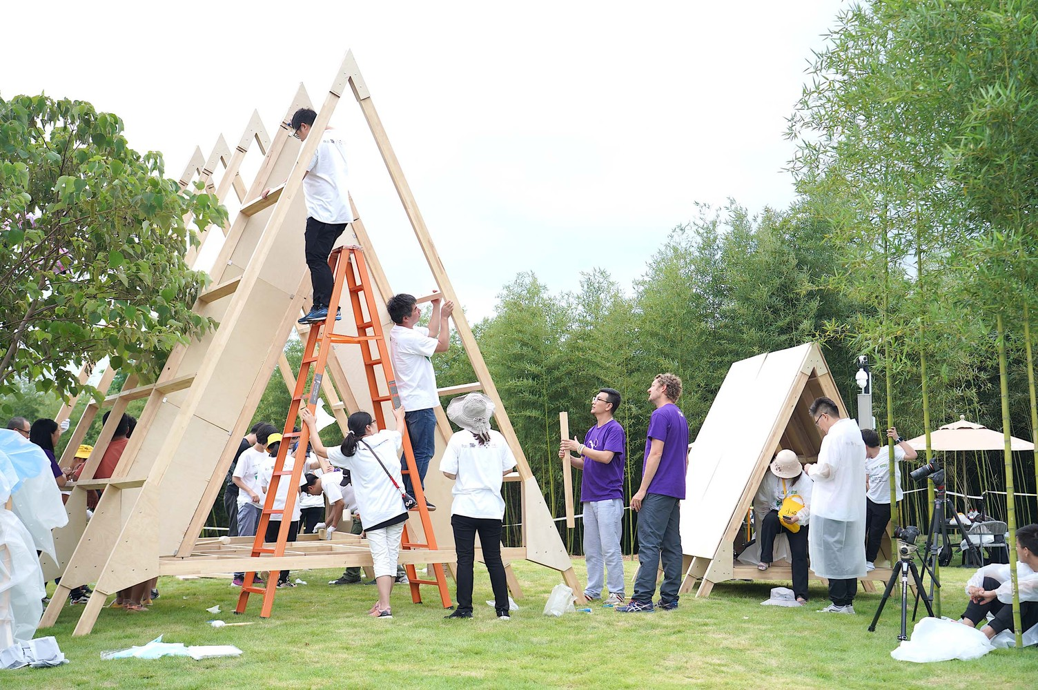 A-frame cabins go up in 5 hours, designed to bring families together