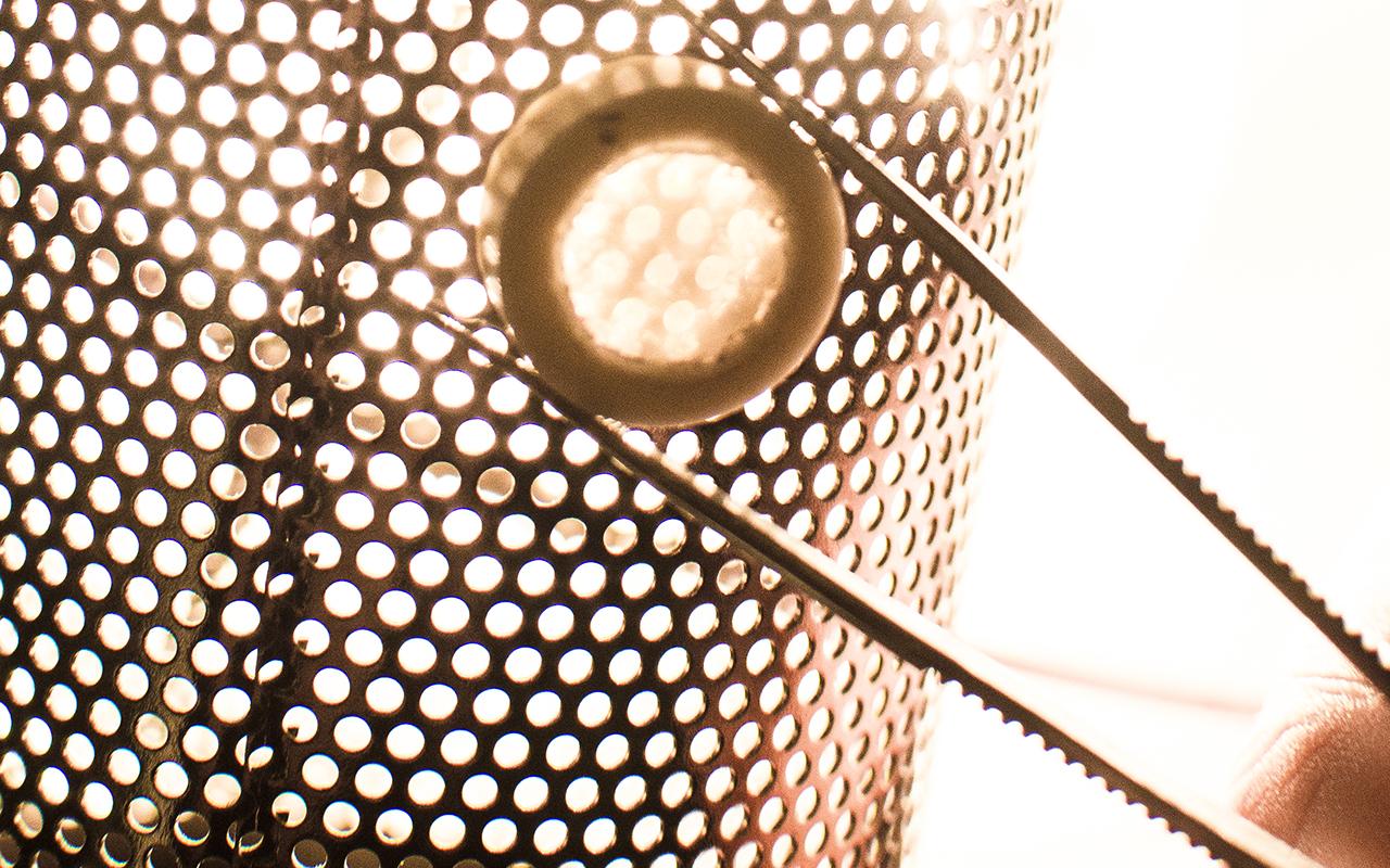 Ultrafast lasers weld ceramics together at room temperature