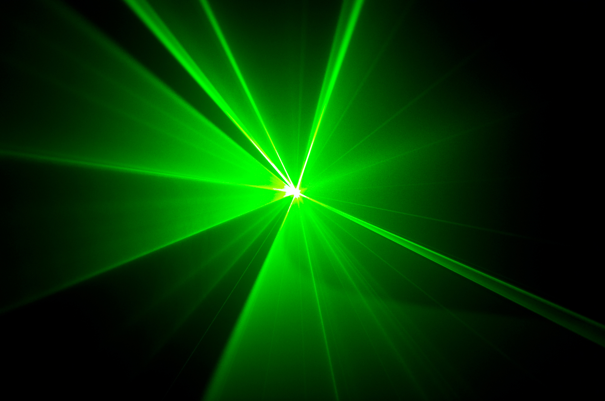 Using ultrafast laser pulses, a new camera system can shoot at up to 70 trillion frames per second