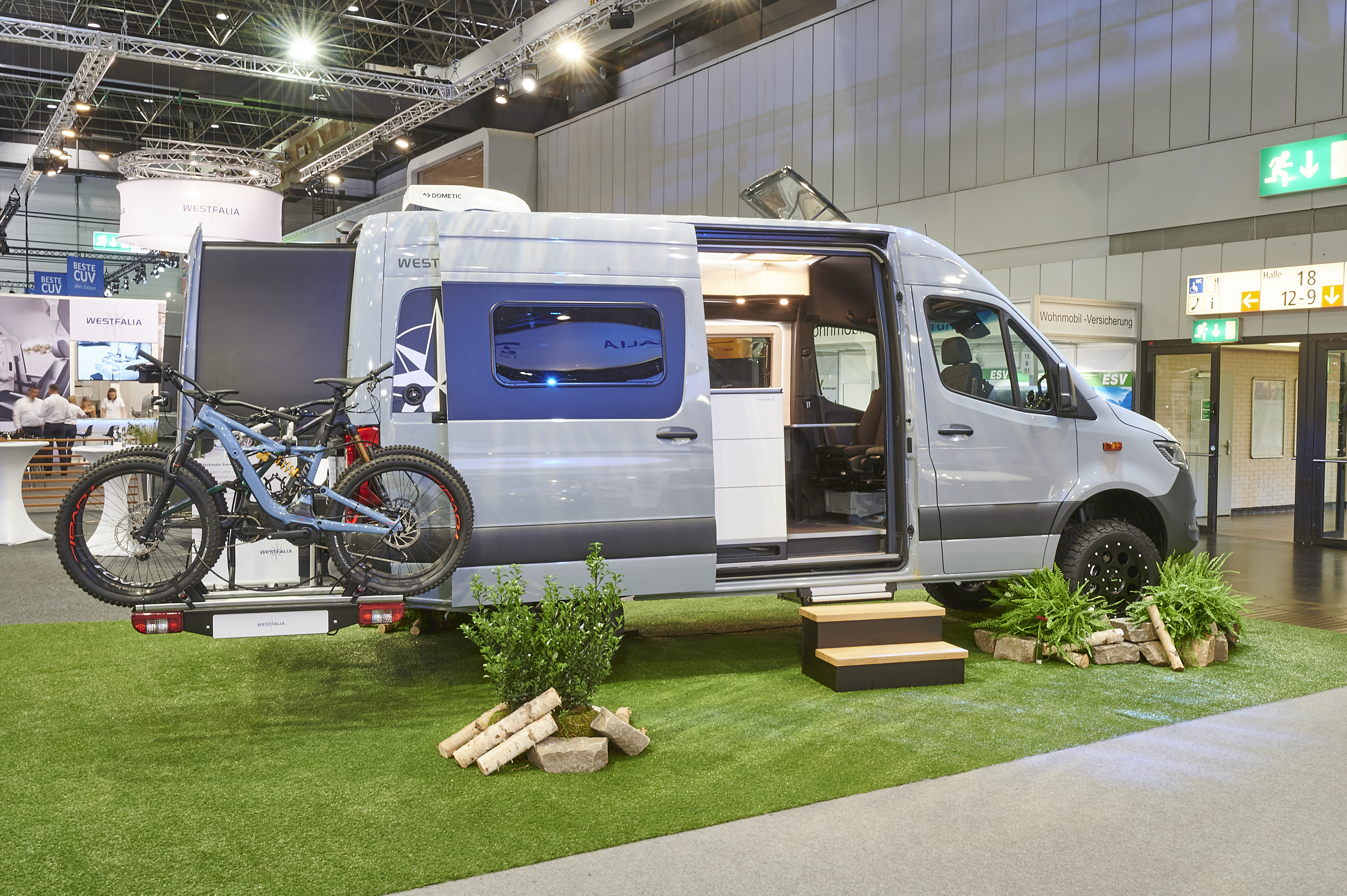 Westfalia's expanding camper van gets 4x4 and high roof