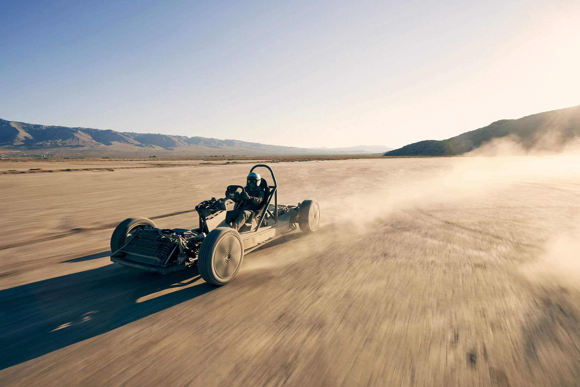The Canoo skatekart does its thing in the California desert