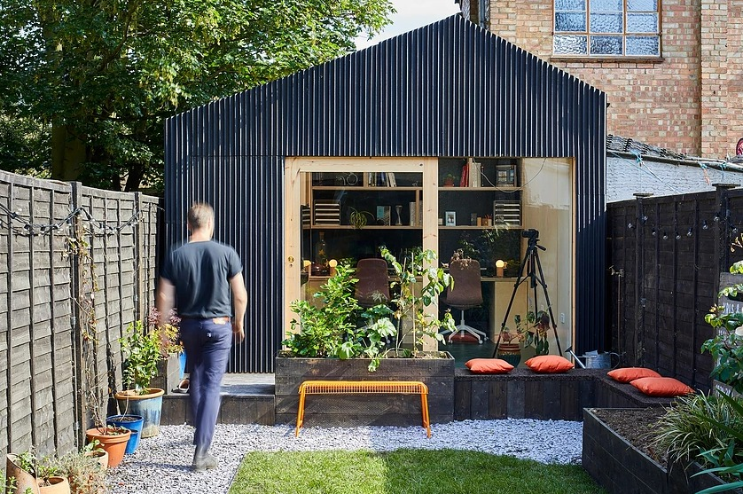 UK architect builds backyard studio for under $15,500