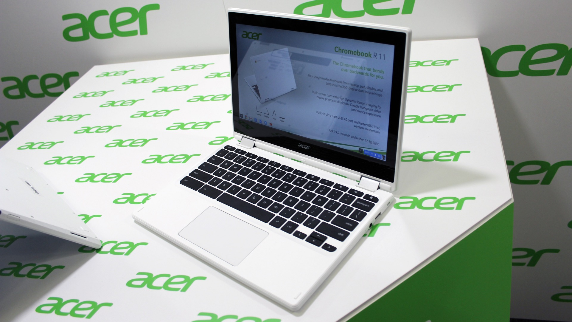 Hands-on: Acer's new Chromebook has a Yoga-like 360-degree hinge