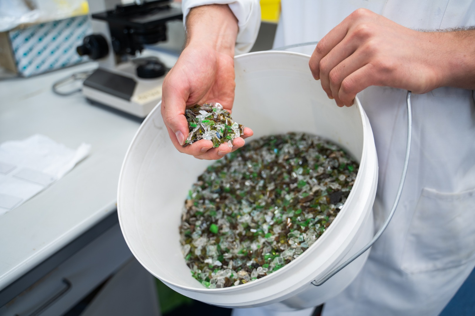 New process converts unrecyclable glass into saleable product