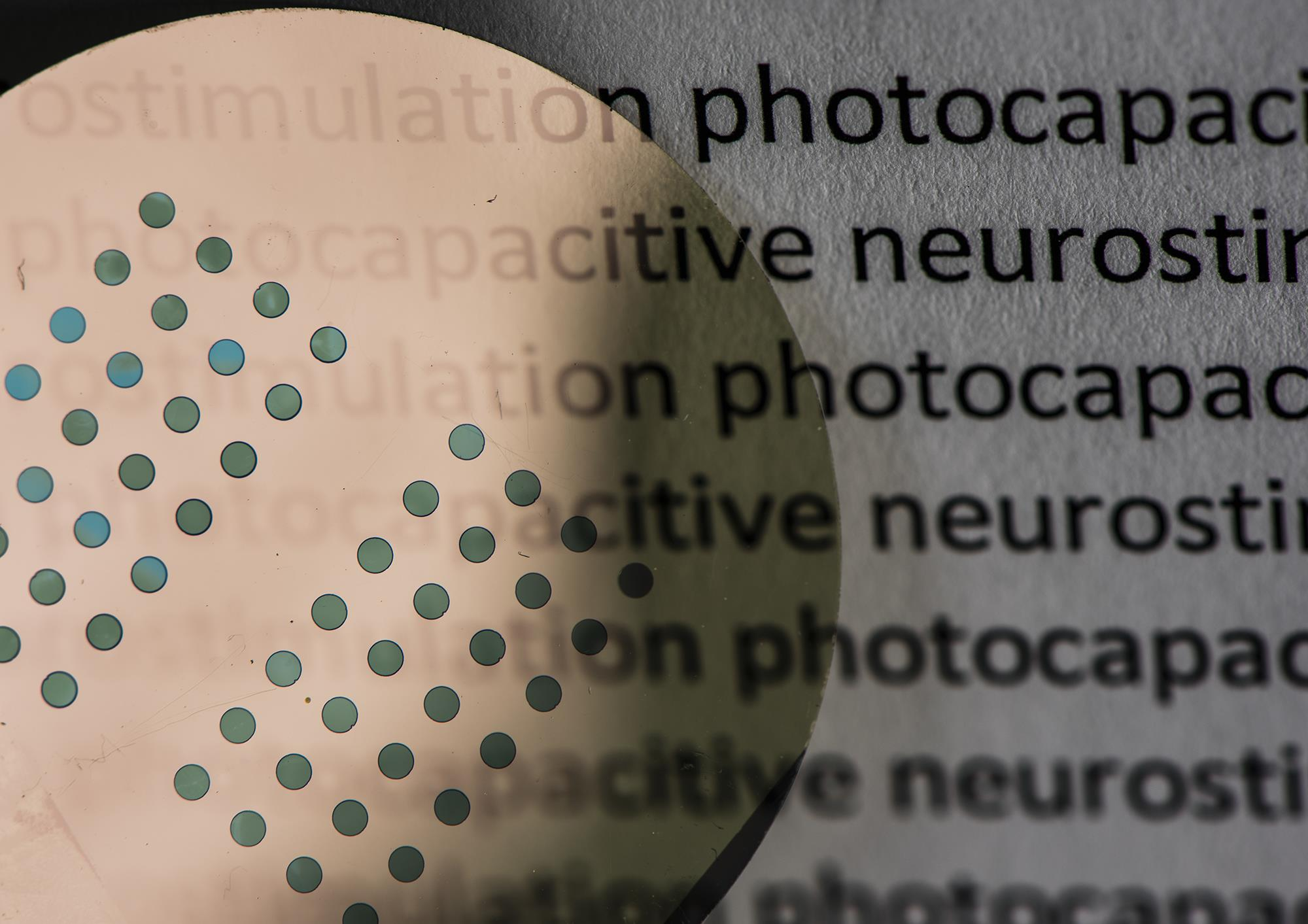 Rudimentary artificial retina made with tattoo pigment