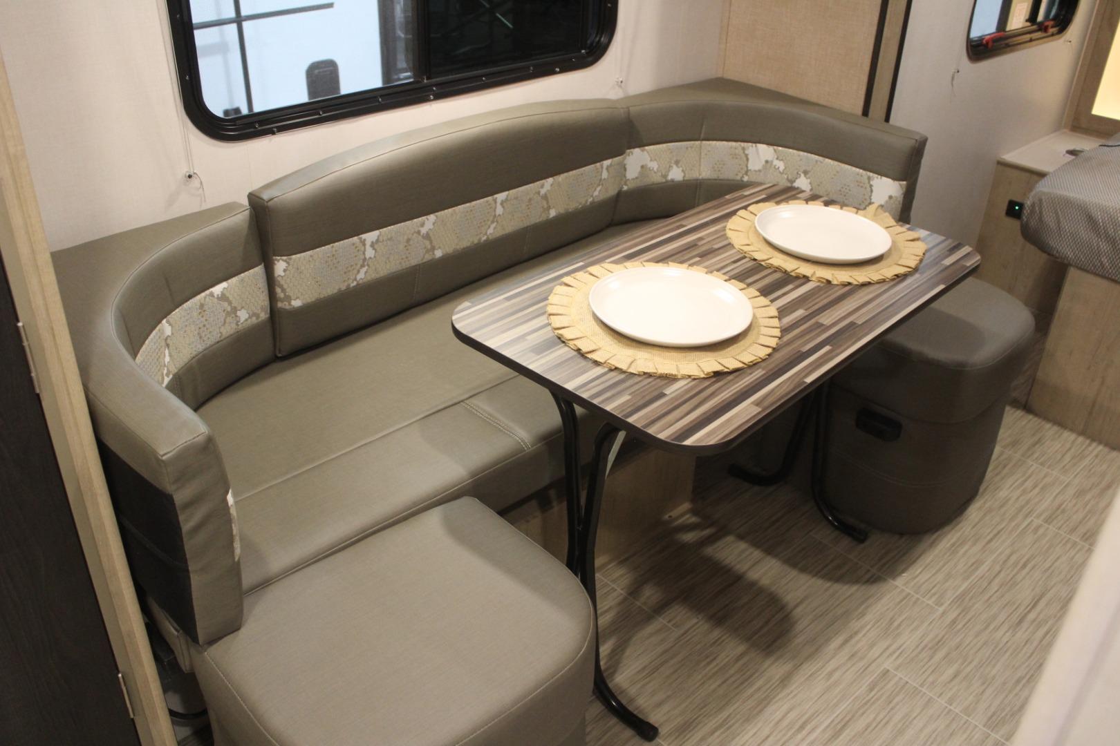 Fantastic S Newatlas Com Bentley Continental Gt V8 58921 2019 03 Beatyapartments Chair Design Images Beatyapartmentscom