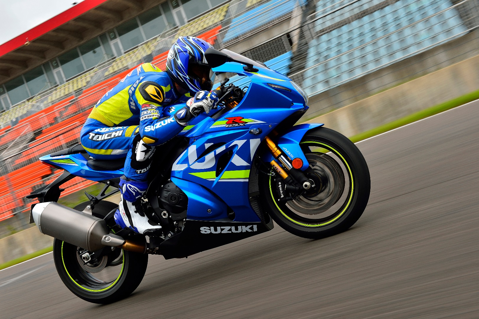 New GSX-R1000 aims at superbike dominance with variable
