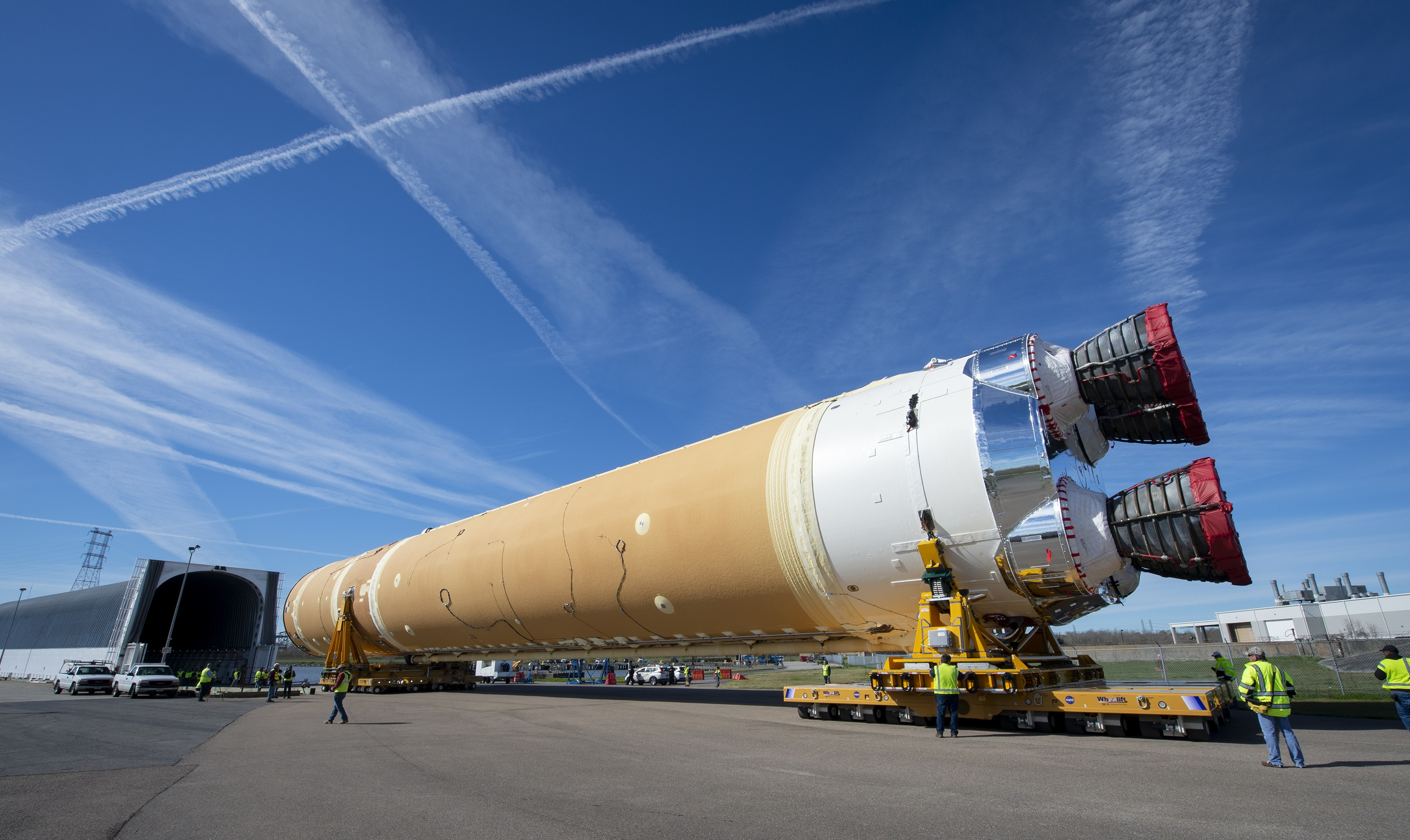 Largest rocket since Apollo rolls out