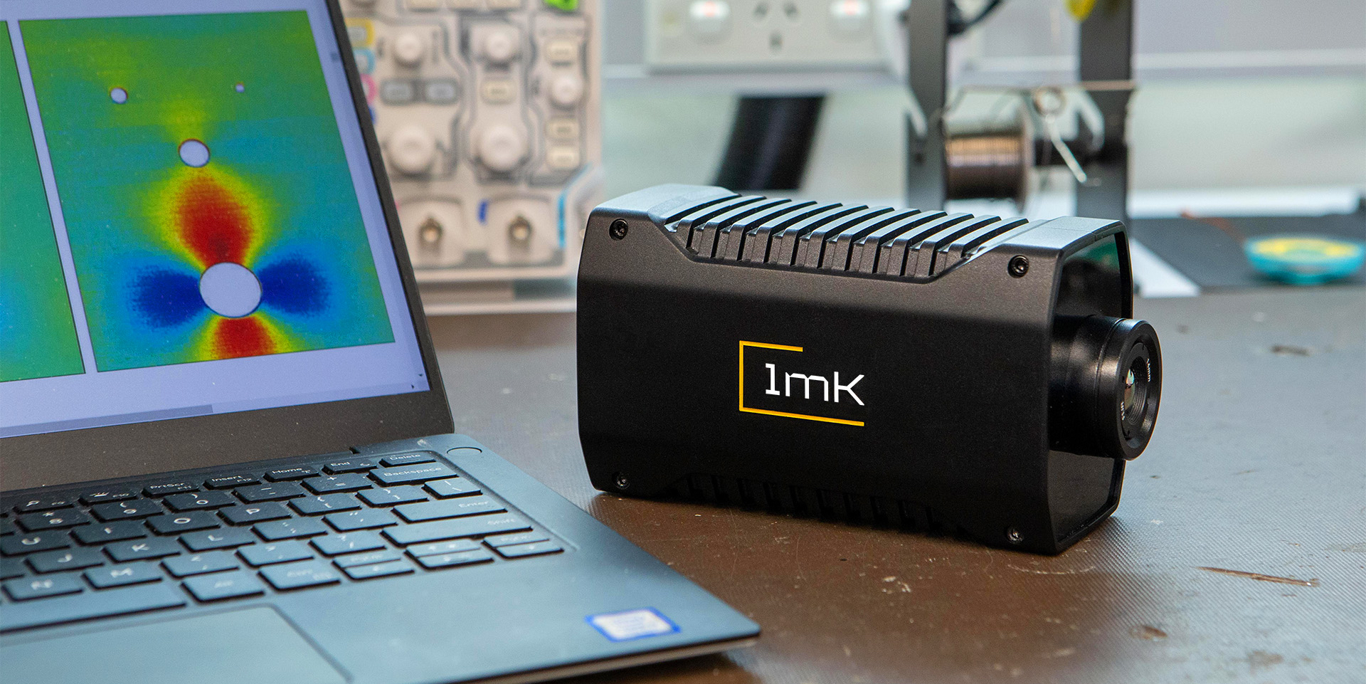 1Millikelvin offers a highly accurate, portable and compact alternative to using traditional mechanical strain gauges to test for metal fatigue