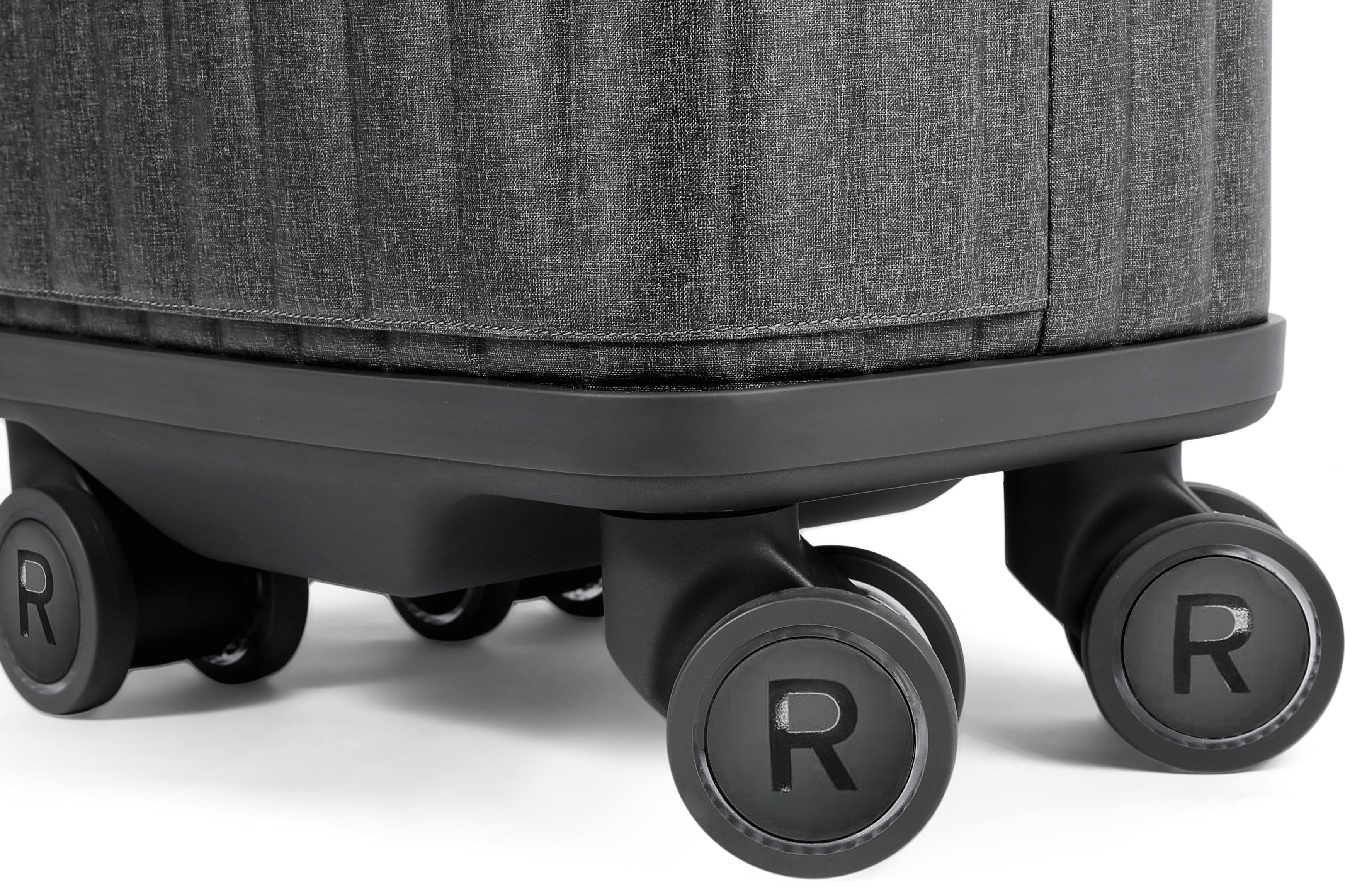 Suitcase uses its own wheels to charge its power bank