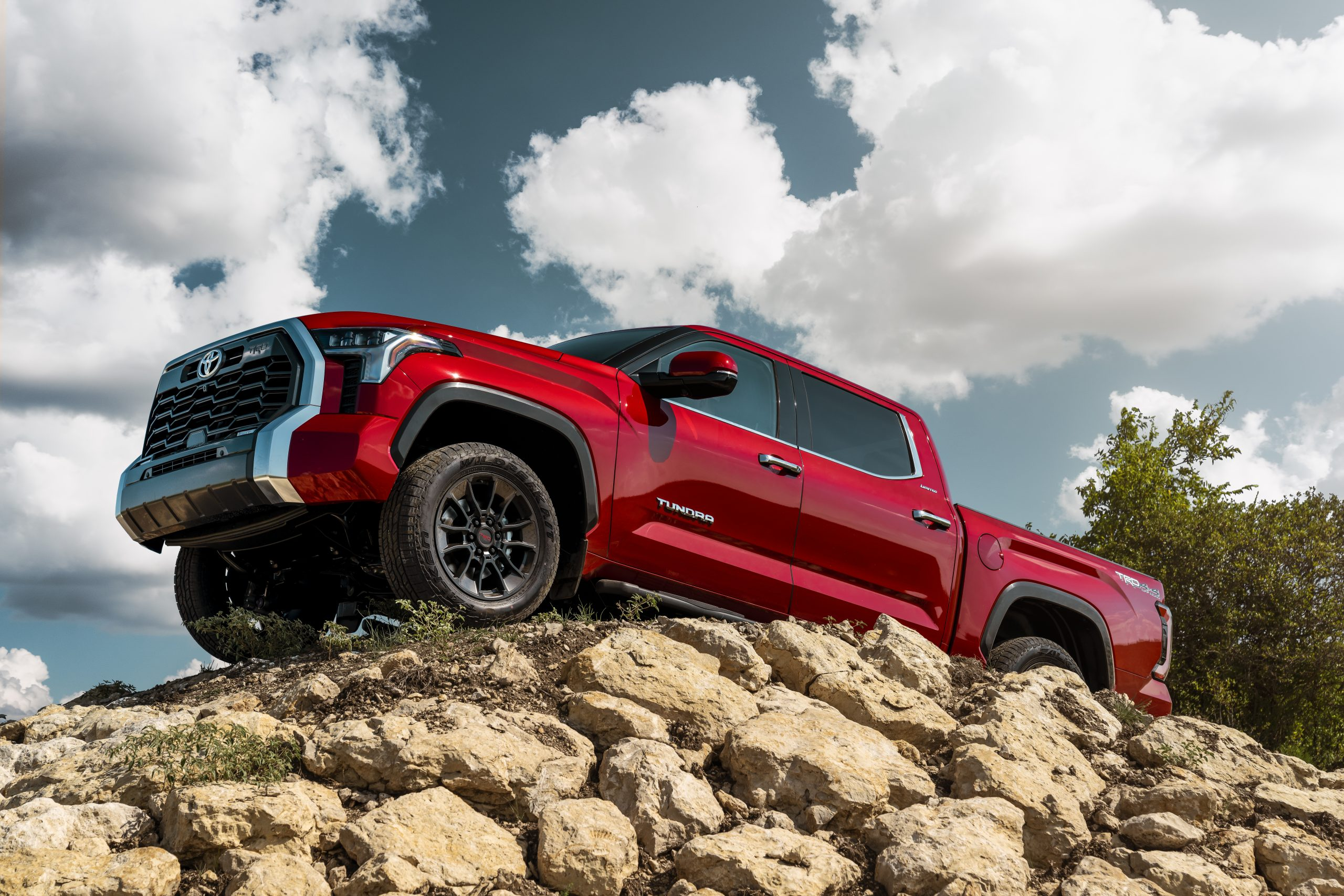 After months of teasing, Toyota reveals the third-generation Tundra