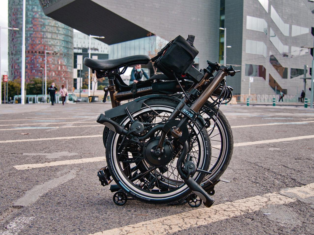 Various configurations of the Vekkit ebike conversion kit are available, including options for folding bikes