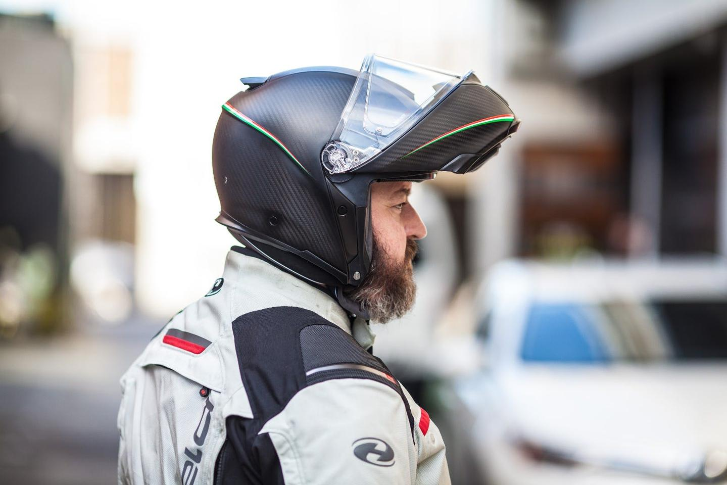 AGV SportModular: extreme comfort and lightness