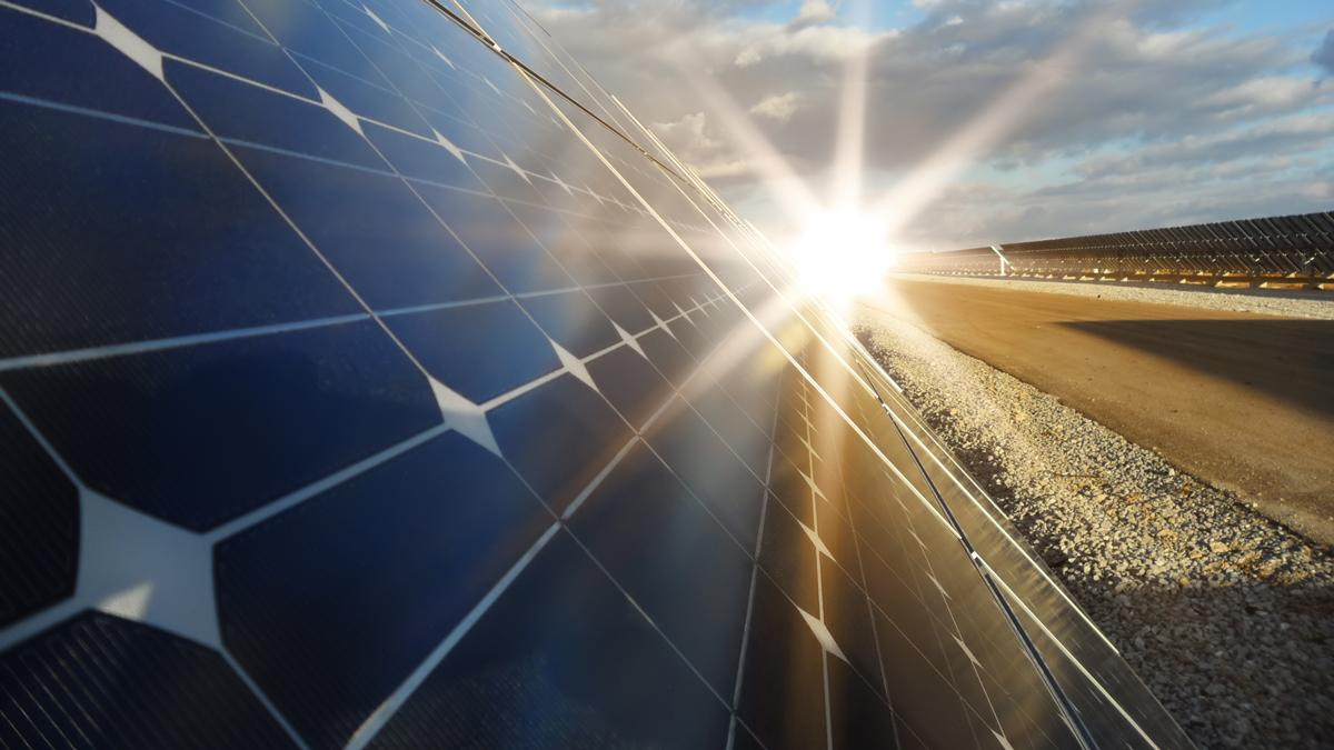 Spectrolab has achieved a new world record efficiency for a multi-junction solar cell (Photo: Shutterstock)