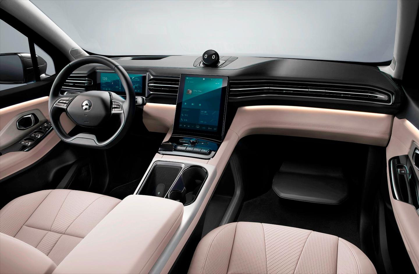 In this lone interior shot for the NIO ES8, we can see a tablet-style infotainment interface dominating the dashboard