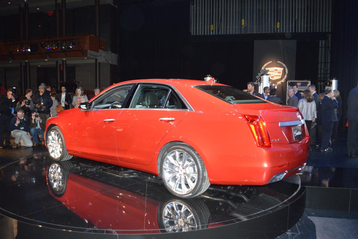 2014 Cadillac CTS loses weight, increases bam factor