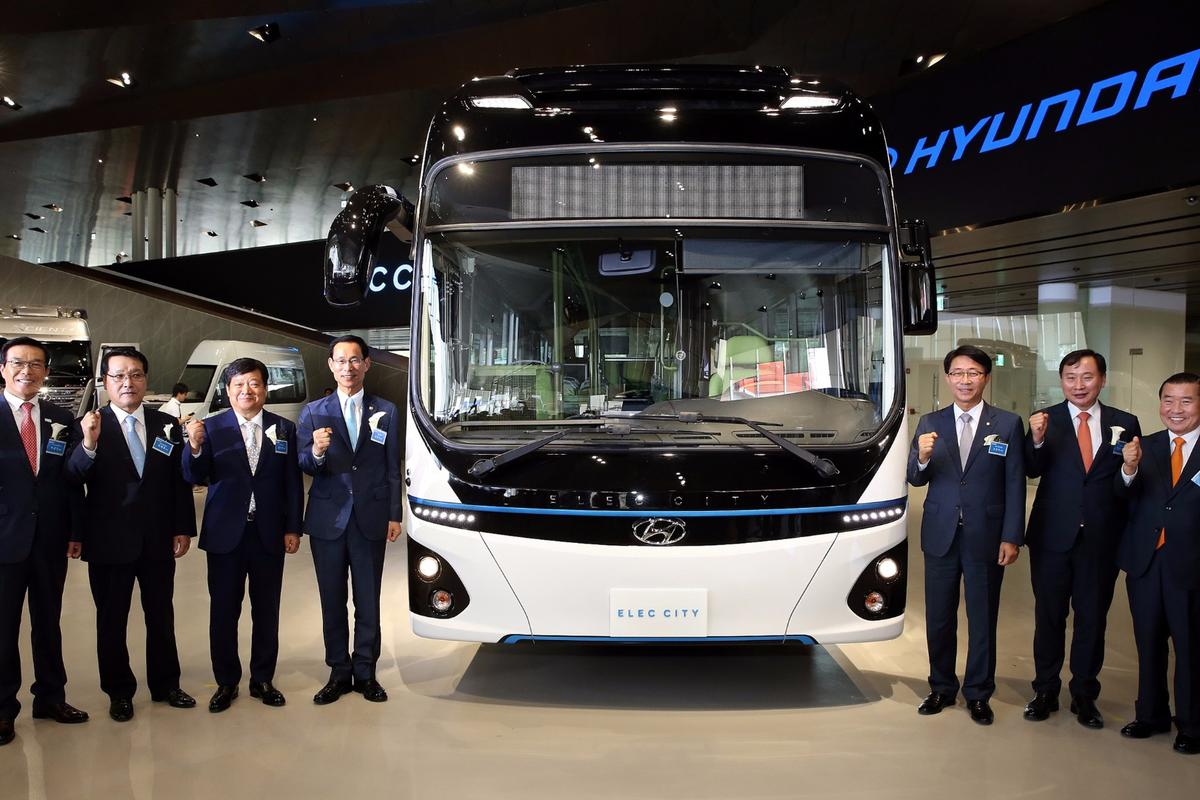 Hyundai says its Elec Cityelectric bus can go290 miles on a single charge