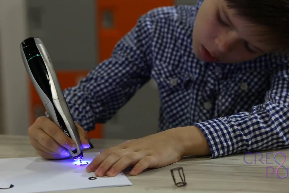"""The CreoPop """"cool ink"""" 3D sketch pen"""