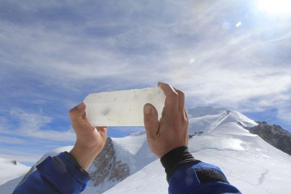 An ice core from the Mont Blanc Massif