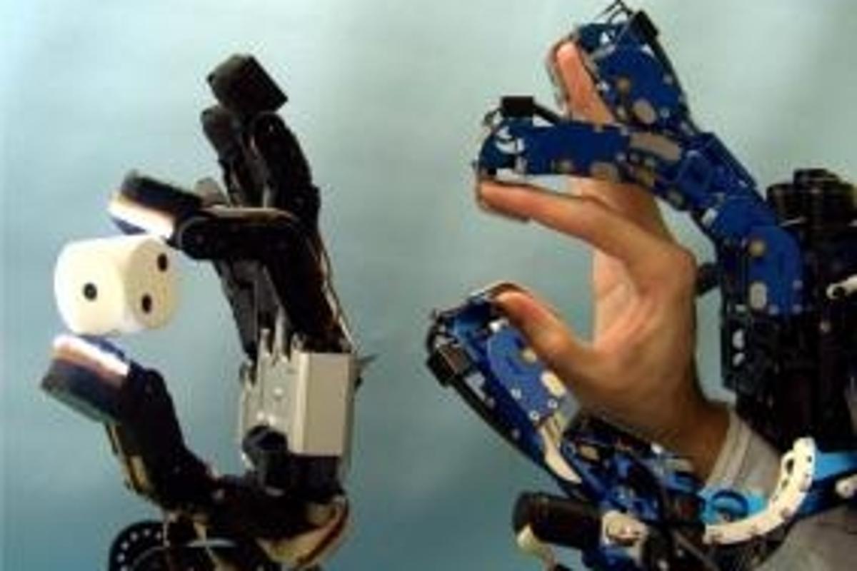 Haptic Telexistence glove