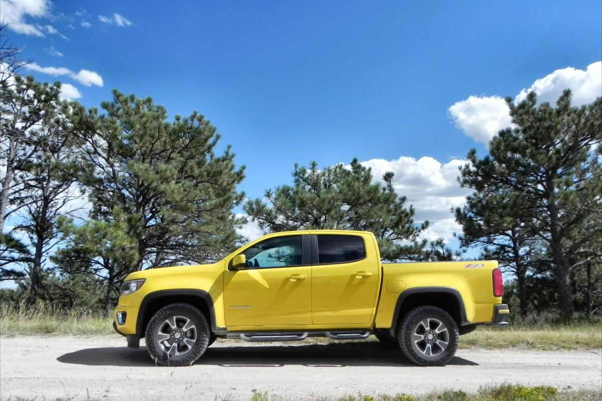 A 2015 Chevrolet Colorado with offroad packaging similar to that which will be used in the US Army's testing