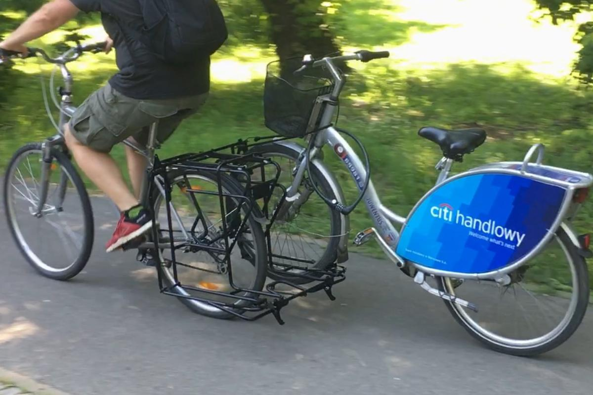 The Exozox in use – it can also just tow a single bike