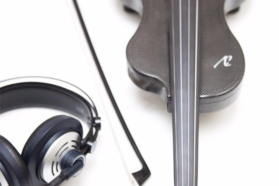 Liutaly iV electric violin dials up smartphone for synth