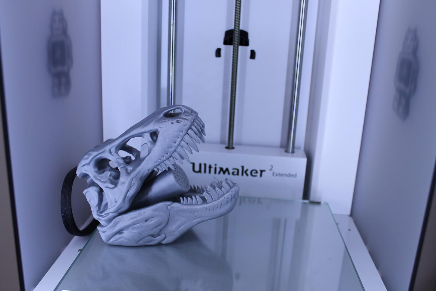 The Ultimaker 2 Extended printed this vicious shower head overnight