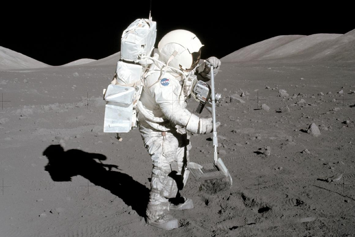 Astronaut Harrison Schmitt collects lunar samples during theApollo 17mission