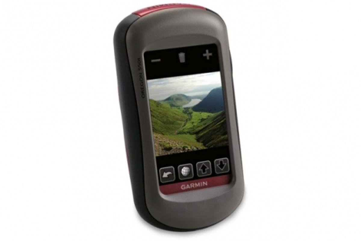The Garmin Oregon 550 with built in 3.2 mega pixel camera