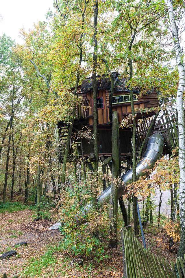Kulturinsel Einsiedel: Part of the treehouse hotel, complete with exit slide