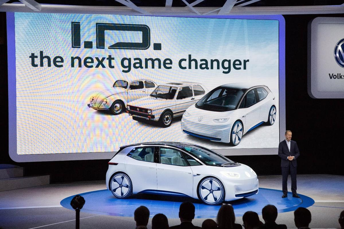 Volkswagen premieres the ID concept at the 2016 Paris Motor Show