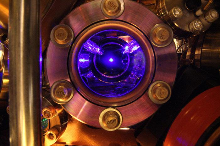 The blue cloud of strontium at the heart of the world's most precise and stable clock (Photo: The Ye group and Brad Baxley, JILA)