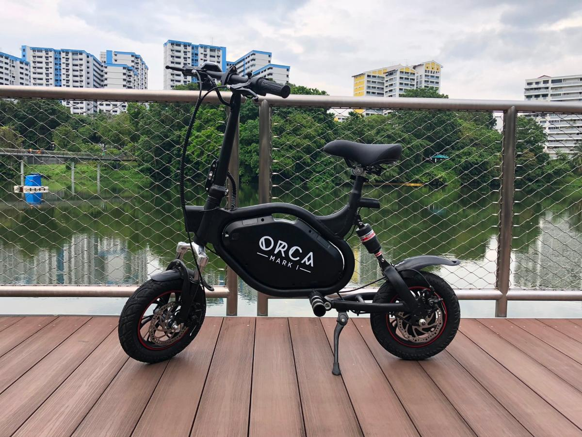 Up to60 km per charge, a top speed of 33 km/h, weather-resistant design and built-in anti-theft alarm: The Orca Mark I folding electric scooter