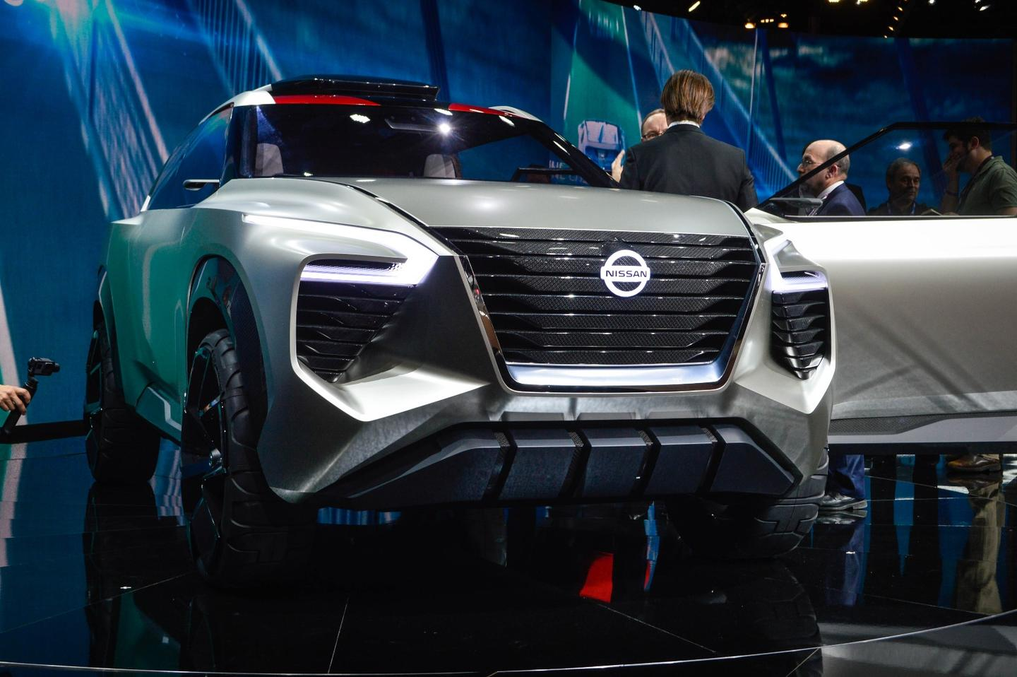 Nissan explores the future of SUVs with the Xmotion concept