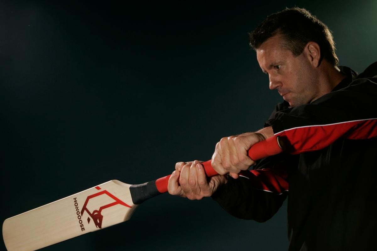 The new Mongoose MMi3 cricket bat has been designed with T20 games in mind (Photo: Mat Hale)