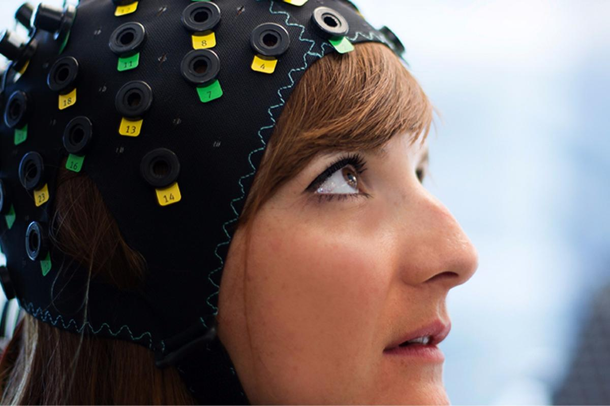A non-invasive BCI cap that monitors blood pressure in the brain has been used to achieve direct communication with CLIS patients for the first time