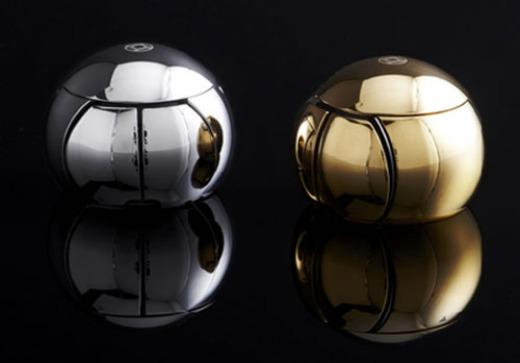 The Sphere 2 is a high-end computer mouse made of surgical grade stainless steel with either a titanium, gold, or platinum finish