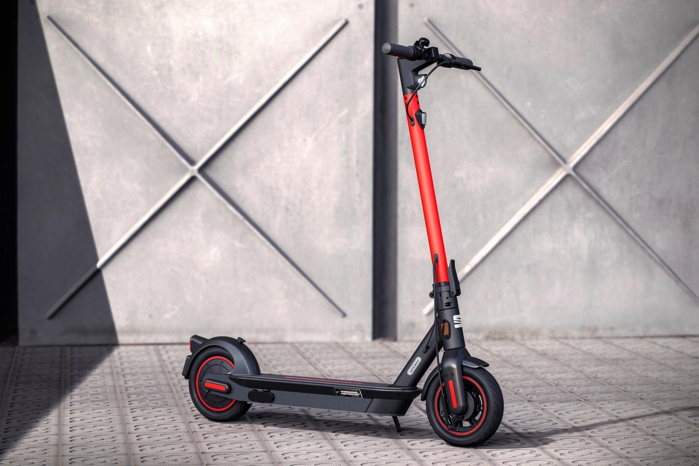The e-Kickscooter concept boasts 65 km of range