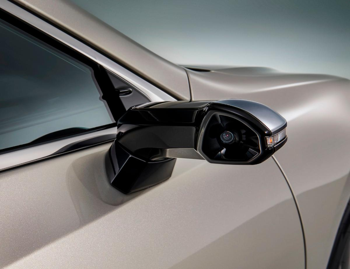 Japanese editions of the 2019 Lexus ES will be the first production cars to carry digital side mirrors