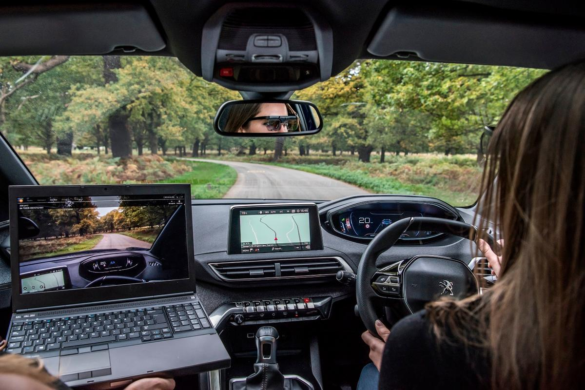 To monitor the eyes of drivers, Peugeot fitted them with Tobii Pro Glasses 2, which use six cameras that track the direction the retina is looking every 0.05 seconds