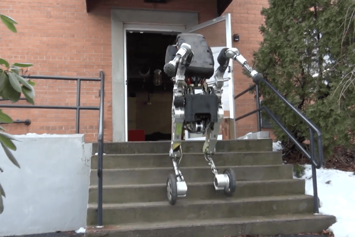 Boston Dynamics latest innovation is Handle, a research robot with extraordinary mobility