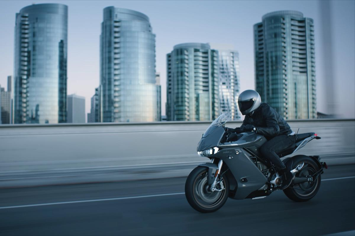 The long-awaited fully faired Zero SR/S electric motorcycle has finally dropped