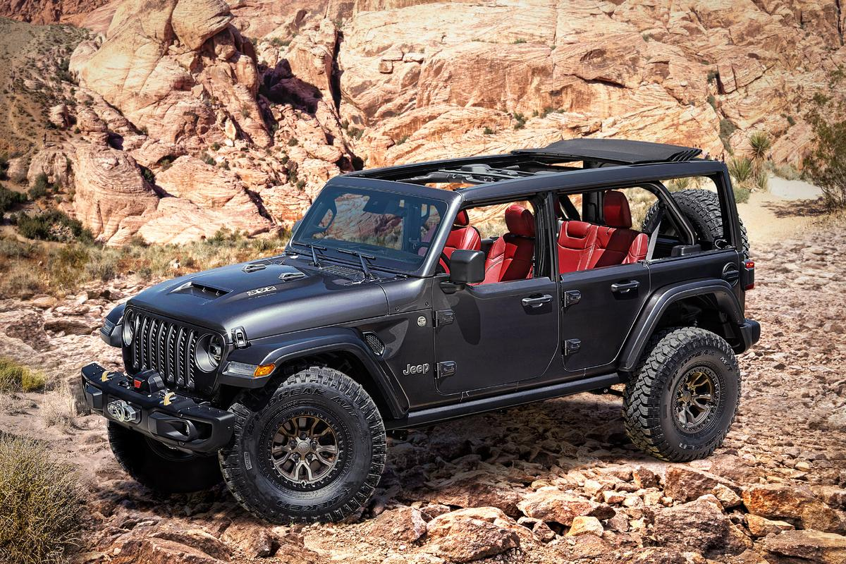The Jeep Wrangler Rubicon 392 Concept features several visual cues as to its under-hood muscle
