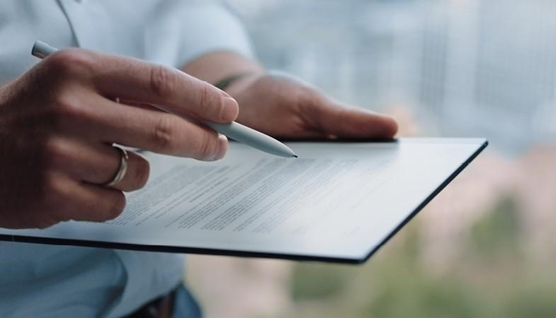 The reMarkable 2 serves as both e-reader and digital notepad