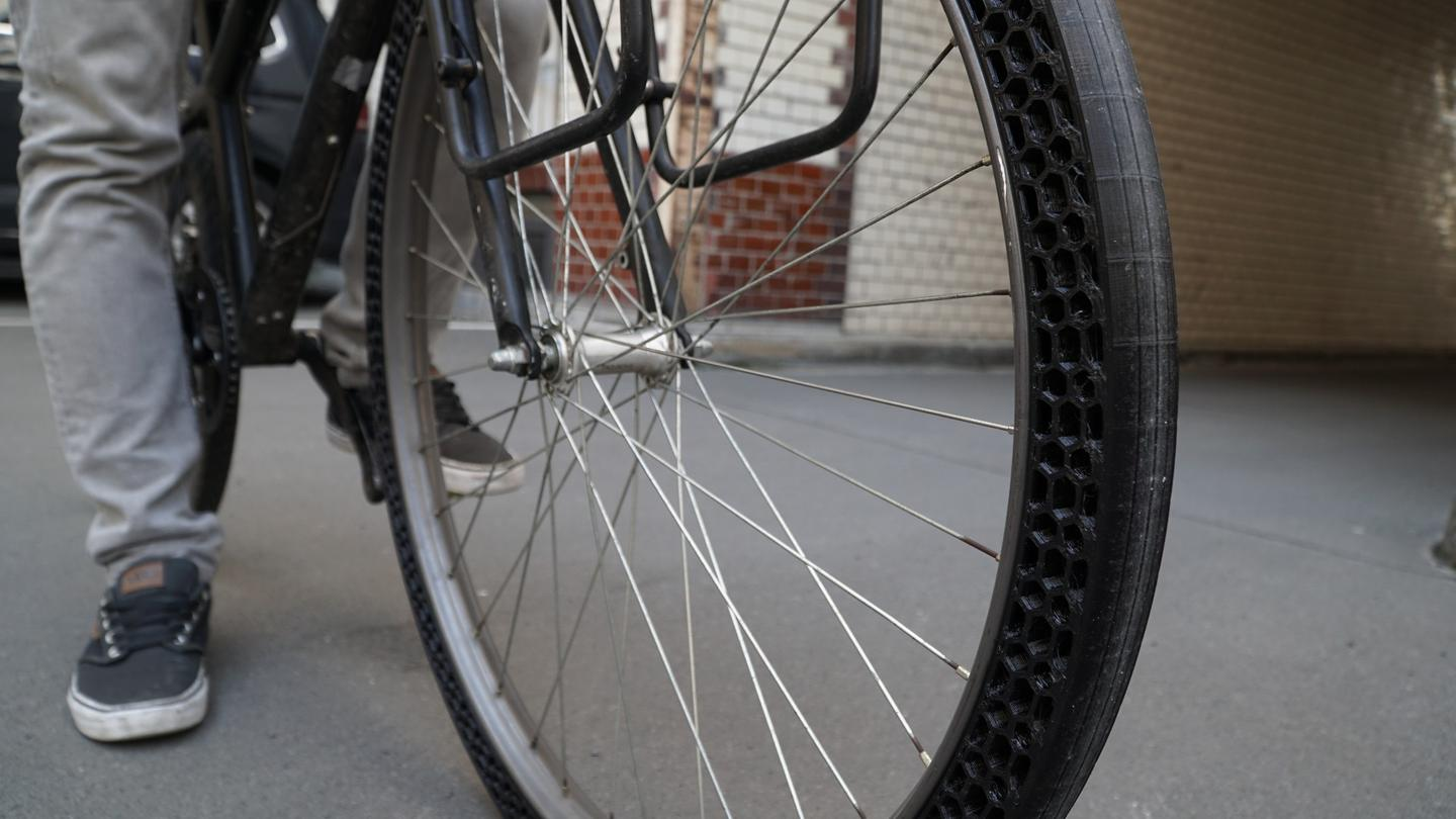 The BigRep 3D-printed bicycle tire prototype was created to demonstrate the versatility of the company'sthermoplastic polyurethane Pro FLEX filament