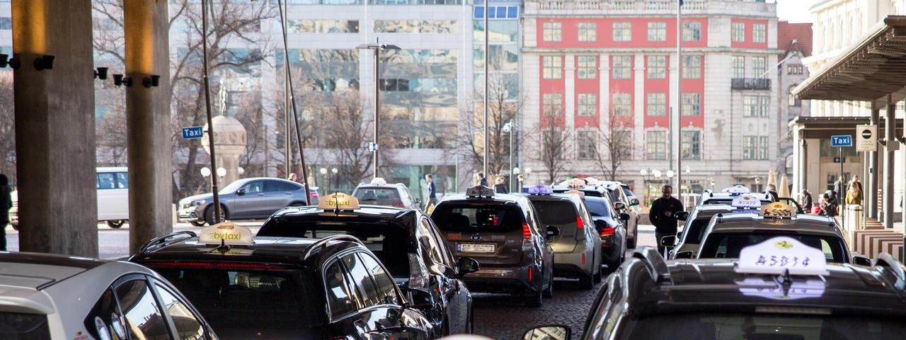 The wireless chargingroll out should help the city meet its target of having onlyzero emission taxis operating in Oslo by 2023